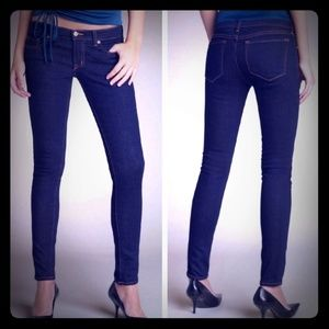 J Brand Low Rise Skinny Leg Jean 👖